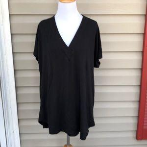 Lou & Grey women's black V- neck knit blouse